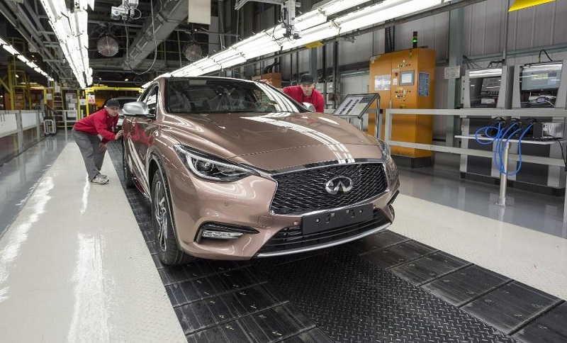 infiniti-q30-hatchback-4